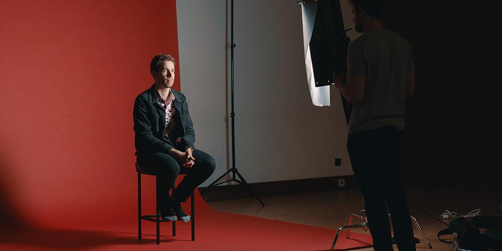 インタビュー動画・お客様の声動画の効果、動画制作のポイントと事例も紹介